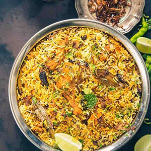 Order chicken hyderabadi biryani online in Thane, Mumbai from Nusta Kitchen